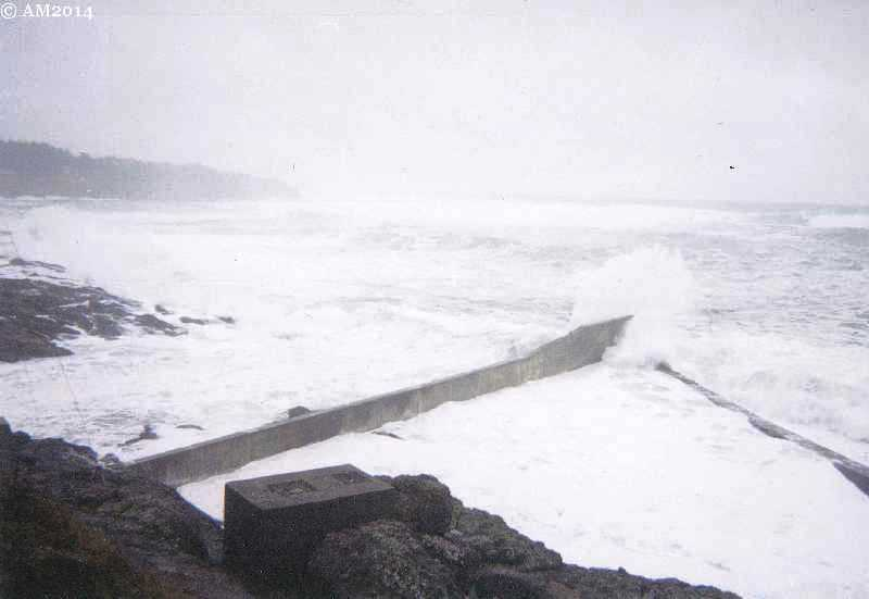 Depoe Bay entrance in rough weather