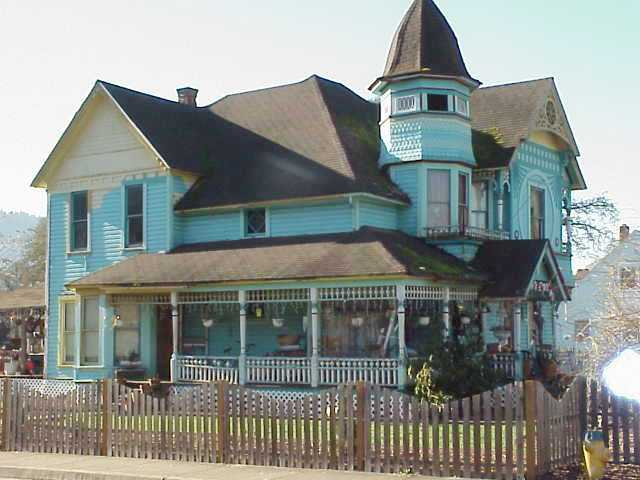 Victorian home in Drain, Oregon.