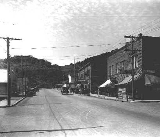 1915 view of Main Street, Myrtle Creek, Oregon.