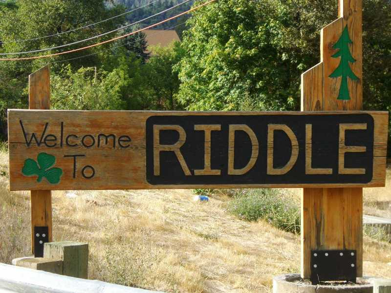 Welcome sign, Riddle, Oregon.